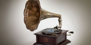 thumb_gramophone_2242