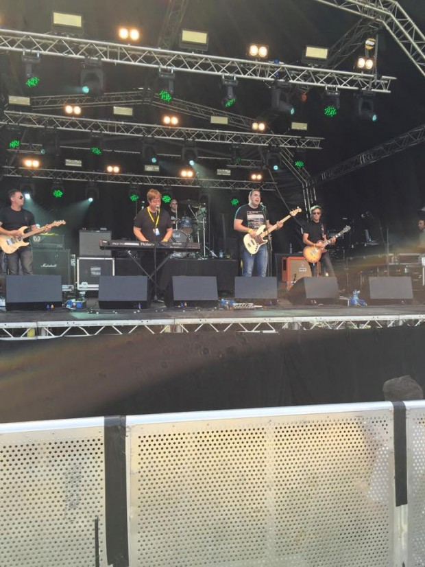 The Earnshaws on the Main stage of the Brentwood Festival