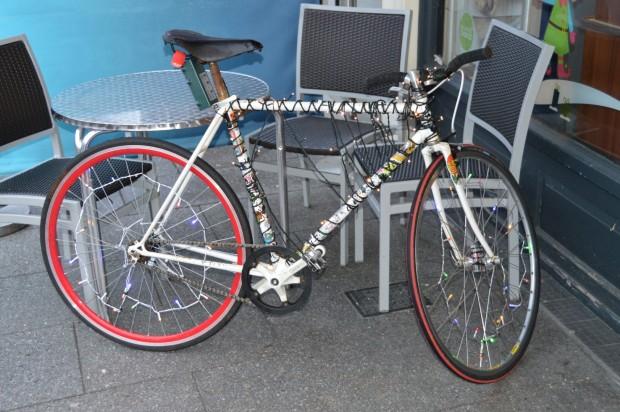 2015-11-28 036 Christmas bike
