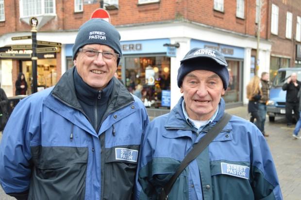 2015-11-28 039 John (on Left) of Brentwood Street Pastors (Bob)
