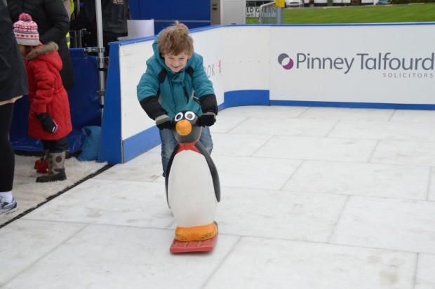 2015-11-29 023 ice rink (Bob)