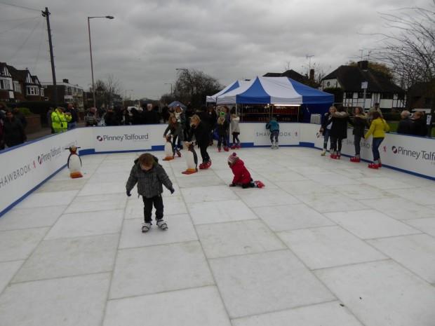 2015-11-29 033 ice rink (Paul)