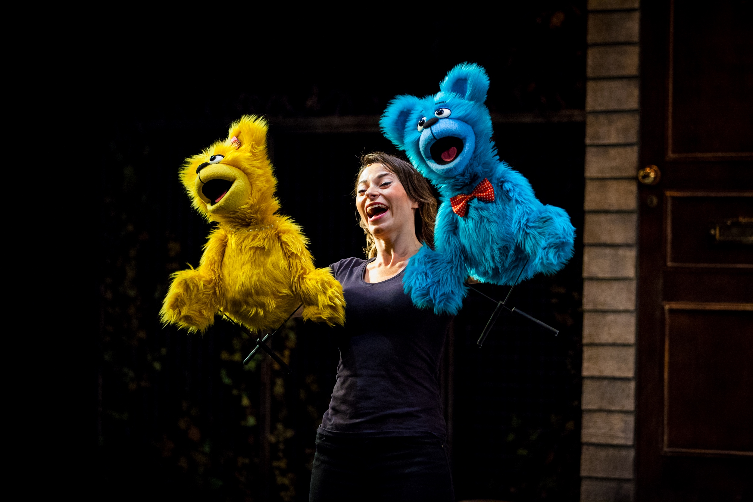 Avenue q at the queen 39 s theatre hornchurch phoenix fm for Bad idee