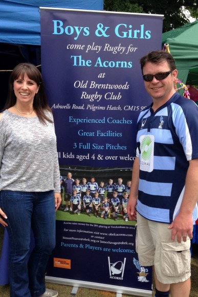 2016-06-11 Strawberry Fair (Xanthe) 03 Xanthe and James - Acorns