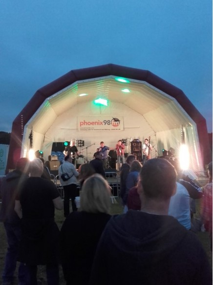 2016-07-15 Brentwood Festival - Antonia 04 - Phoenix FM stage