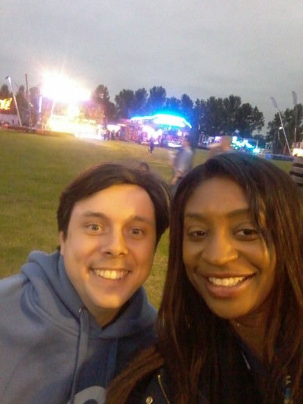 2016-07-15 Brentwood Festival - Antonia 07 - Antonia and festivalgoer Charles