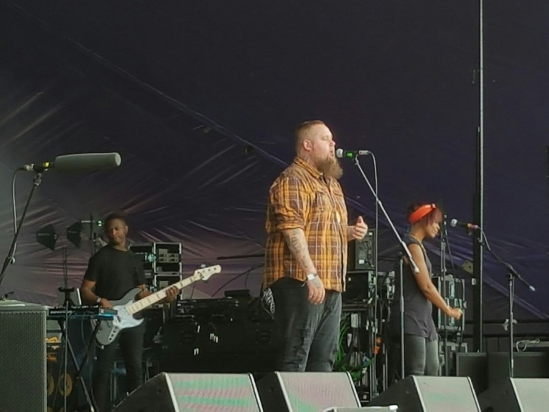 Rag 'n' Bone Man on Stage
