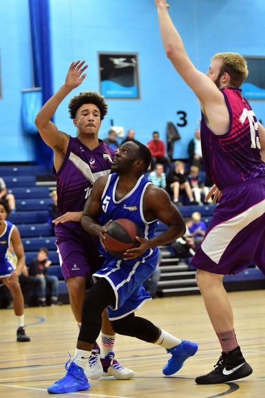 Levett Essex Leopards v Loughborough Riders, 15 Oct 2016; Bode Adeluola;