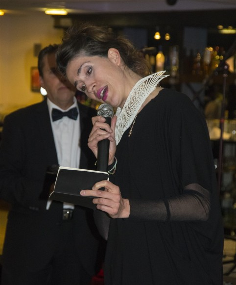Imogen Heap reads out details of her donated Lot