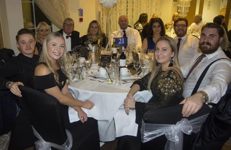 Table 21 - 10 guests