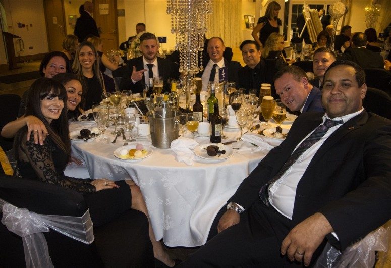 Table 4 - 10 guests